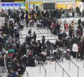 Dos drones paralizan el aeropuerto de Gatwick