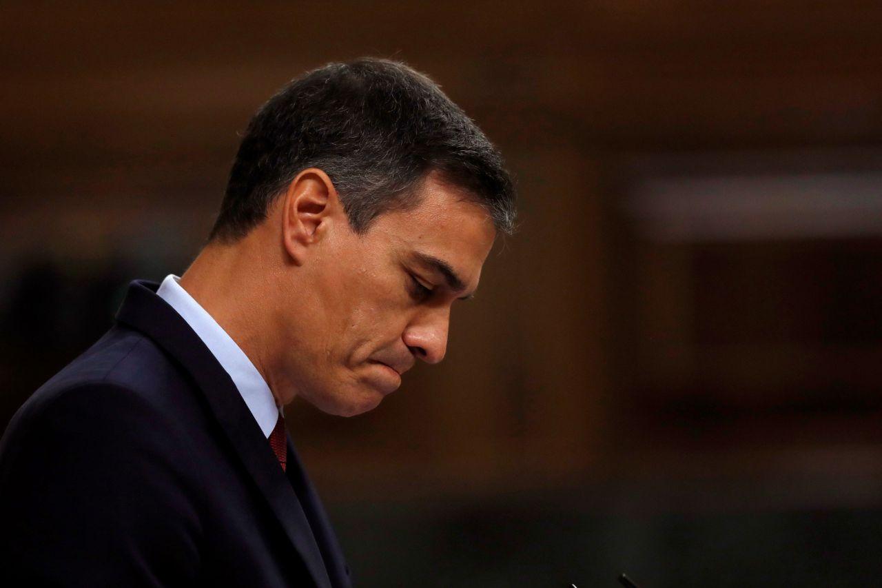 El candidato socialista a la Presidencia del Gobierno, Pedro Sánchez, durante su intervención en la primera jornada del debate de investidura