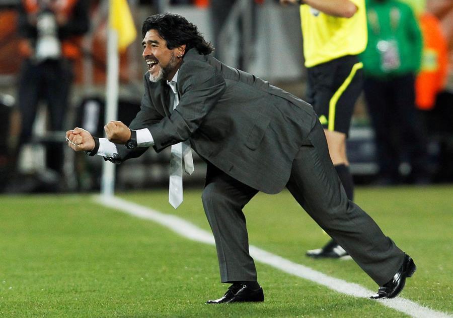 Maradona, como seleccionador nacional de Argentina en el Mundial 2010.