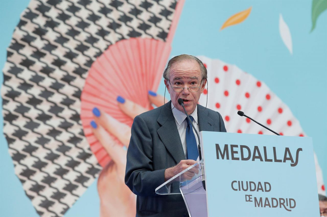 El presidente del Teatro Real, Gregorio Marañón y Bertrán de Lis, durante su intervención tras recibir la Medalla de oro de Madrid.