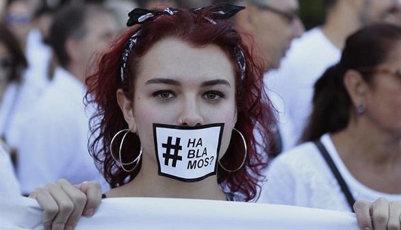 Marchas por el diálogo en los ayuntamientos de todo el país