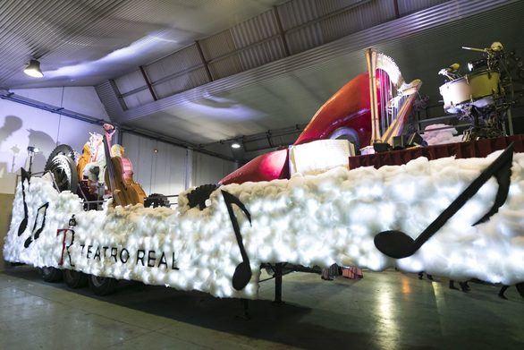 Carroza conmemorativa del bicentenario del Teatro Real