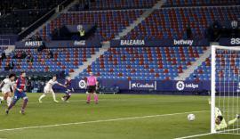 Osasuna amortiza el cansancio del Levante   0-1