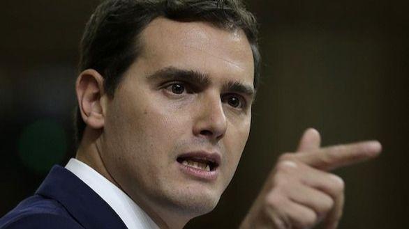 Rivera exige a Rajoy que cumpla los pactos para que dure la legislatura