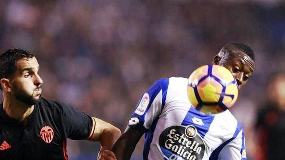 Dépor y Valencia se reparten los puntos y las penas