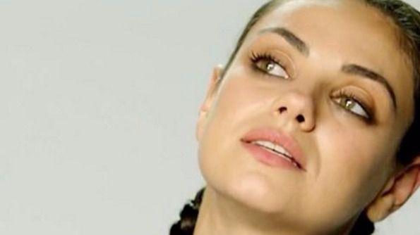 Mila Kunis se planta: