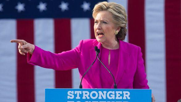 El FBI no procesará a Clinton por el escándalo de los correos