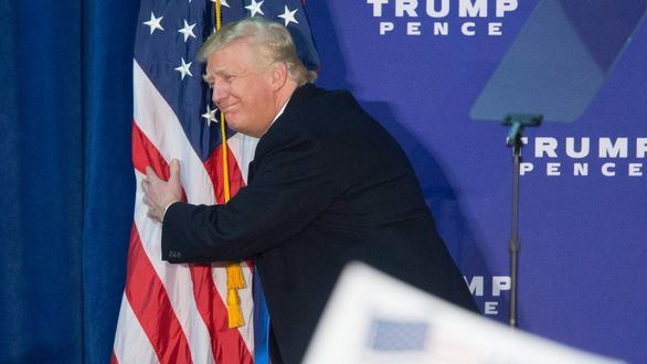 Donald Trump quema sus armas en territorio demócrata
