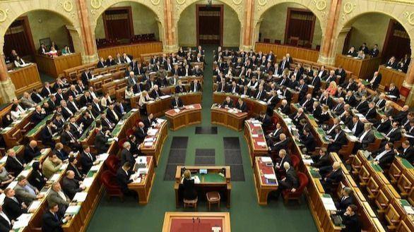 El Parlamento húngaro rechaza la enmienda contra la llegada de refugiados