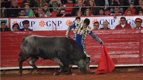 El toro en México. Solo Manzanares y Xajay se salvaron en la inauguración