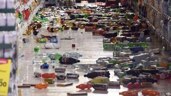 Nueva Zelanda sufre hasta 400 réplicas ya sin riesgo de tsunami