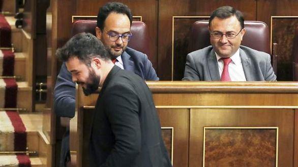 Otro encontronazo total Rufián-PSOE, ahora por el coche oficial