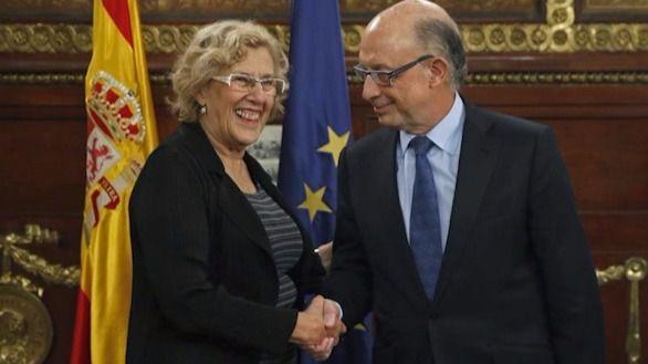 Carmena recula ante Montoro y rehará el presupuesto