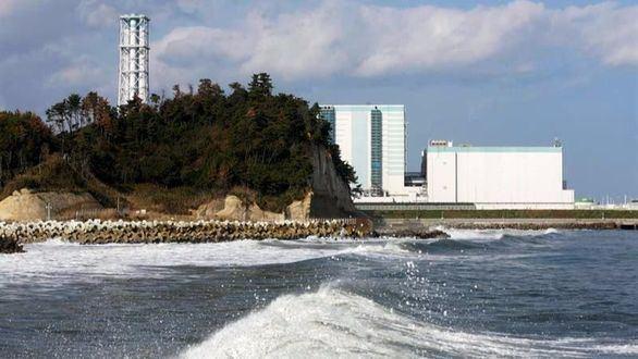 Vista de la central Nuclear de Daini, en Naraha, en la prefectura de Fukushima (Japón), tras el terremoto de 7,4 grados que se ha registrado en la zona.