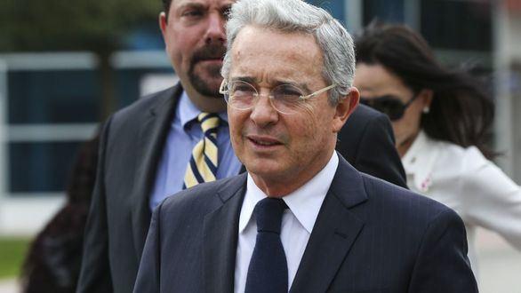 Uribe rechaza también el nuevo acuerdo de Santos con las FARC