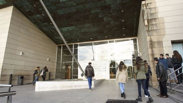 La política valenciana despide a Barberá en el tanatorio