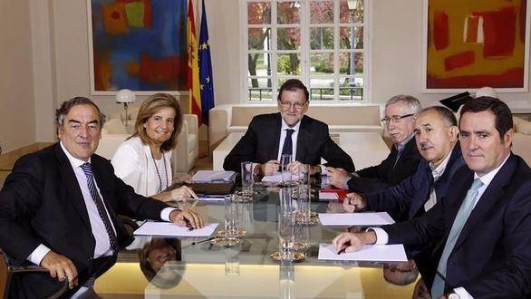 Rajoy, dispuesto a mínimos cambios en la reforma laboral para satisfacción de los empresarios e irritación de los sindicatos