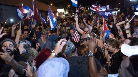 Euforia en las calles de Miami por la muerte de Castro