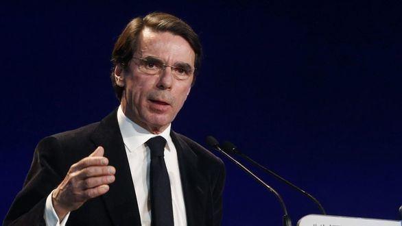 Aznar critica a Rajoy por ser