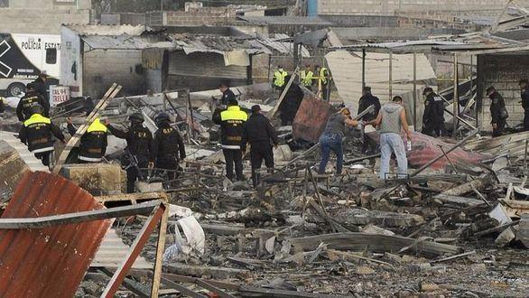 México: 36 muertos por una explosión en un mercado pirotécnico