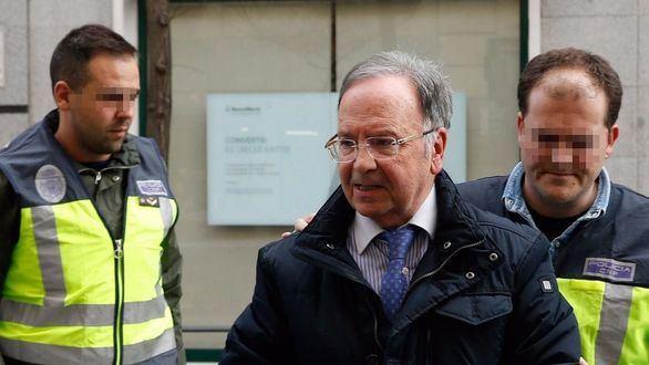 Miguel Bernad, en libertad bajo fianza de 50.000 euros