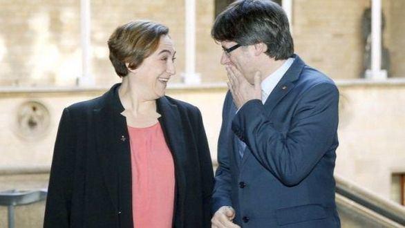 Colau se apunta a la cumbre independentista para el referéndum