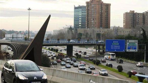 Los vehículos con matrículas pares no podrán circular este jueves por Madrid