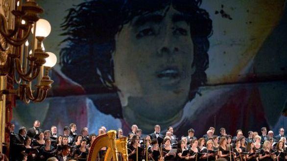 Polémico estreno del espectáculo dedicado a Maradona en Nápoles