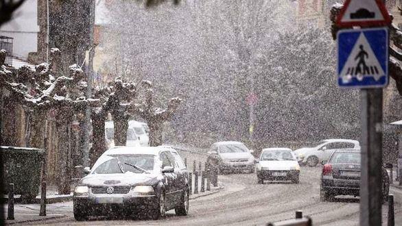 España se hiela: alerta en 18 provincias por nevadas, viento y fenómenos costeros