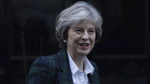 Theresa May confirma un Brexit duro e inmediato