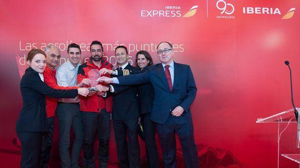 Iberia e Iberia Express, premiadas como las aerolíneas más puntuales del mundo en 2016