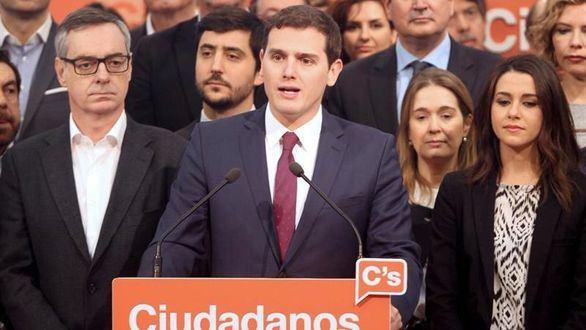 Rivera presenta su equipo para la Asamblea General