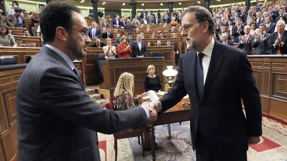 Los pactos PP-PSOE marginan a Podemos y Ciudadanos