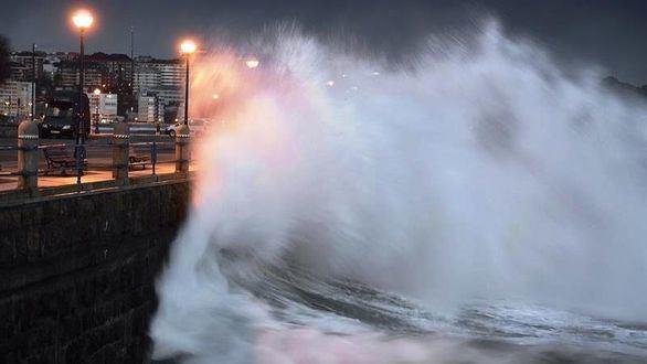 El invierno vuelve a golpear: 35 provincias en alerta por lluvia y viento