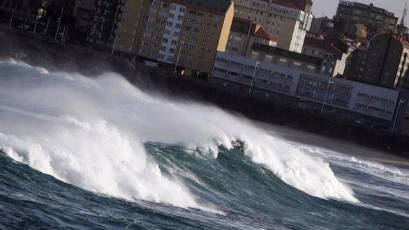 El invierno sigue azotando: nieve, olas y viento ponen en alerta a 25 provincias