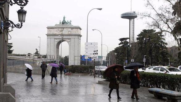 El invierno sigue soplando este lunes: 22 provincias en alerta por lluvia o viento