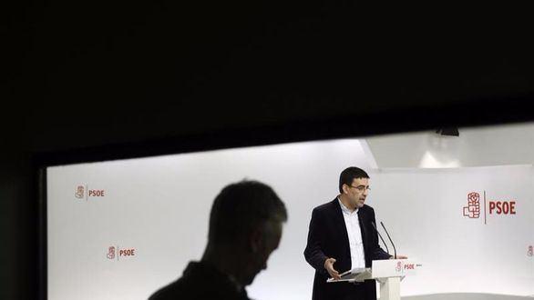 Otro dardo de Sánchez a un PSOE que dispara a izquierda y derecha