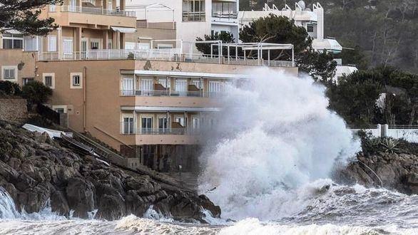 Lluvia, nieve, viento y fenómenos costeros ponen en alerta a 30 provincias