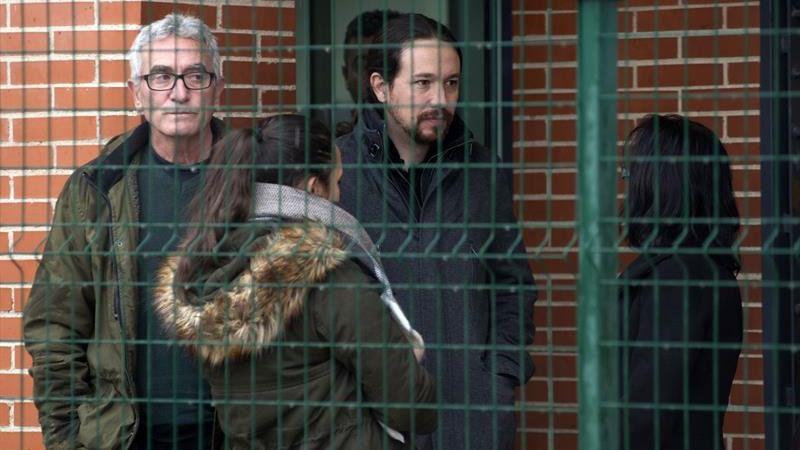 Pablo Igesias a la cárcel bilaketarekin bat datozen irudiak