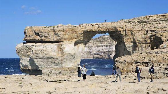 Un temporal 'se traga' la Ventana Azul de Malta, que se queda en un recuerdo