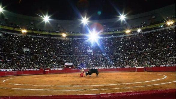 El Toro en México. Antonio Mendoza asustó a la plaza monumental