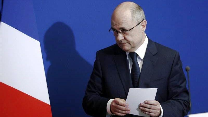 Un nuevo esc ndalo sacude francia y acaba con el ministro for Nuevo ministro del interior 2016