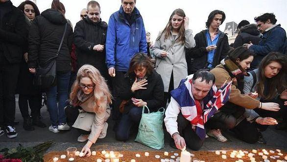 Emotivo homenaje en la mítica Trafalgar Square