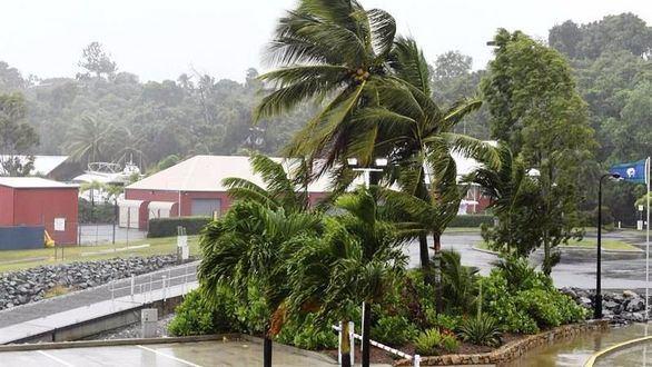 Australia se prepara para la llegada de Debbie, uno de sus ciclones más potentes