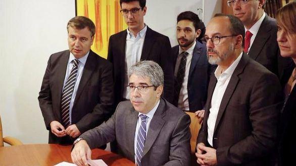 Homs recibe en el Congreso la condena que le inhabilita