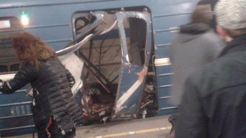 Al menos once muertos tras una explosión en el metro de San Petersburgo