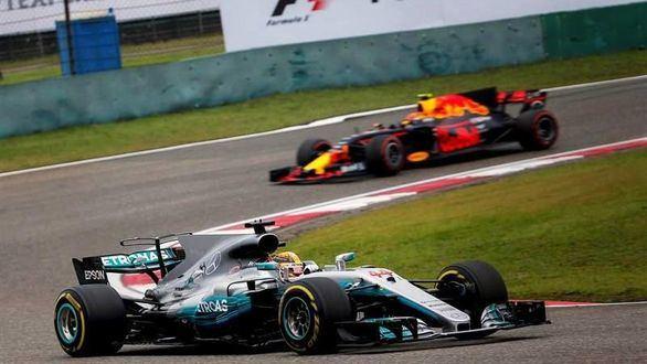GP de China. Hamilton gana; Alonso abandona
