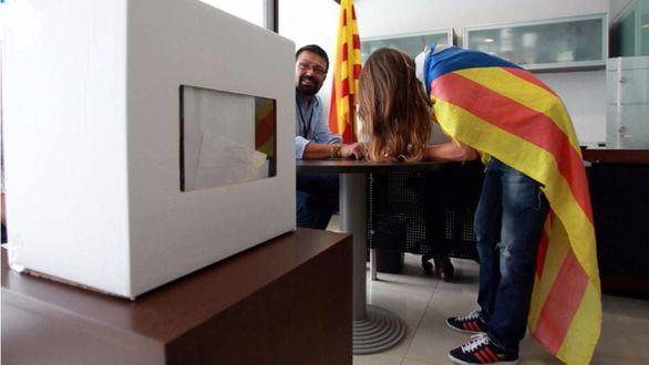 La Generalidad licita por 200.000 euros la compra de urnas para el referéndum