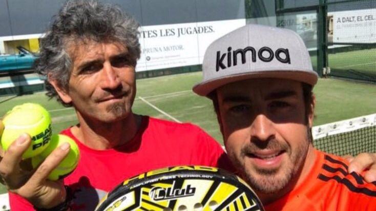 Los tuits del día. Fernando Alonso abandona el circuito para jugar al pádel