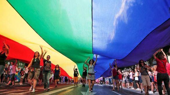 Fin de semana de atascos y fiestas por el Orgullo LGTBI Mundial